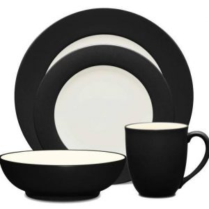 Noritake Colorwave Graphite Rim Place Setting