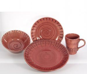 Gibson Tosca Frantelli Red Hand-Crafted 16-Piece Dinnerware Set