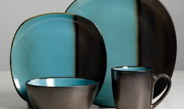 Gibson Elite Volterra Teal 16-Piece Dinnerware Set